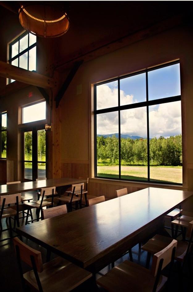 04-20160901 Dining interior.jpg