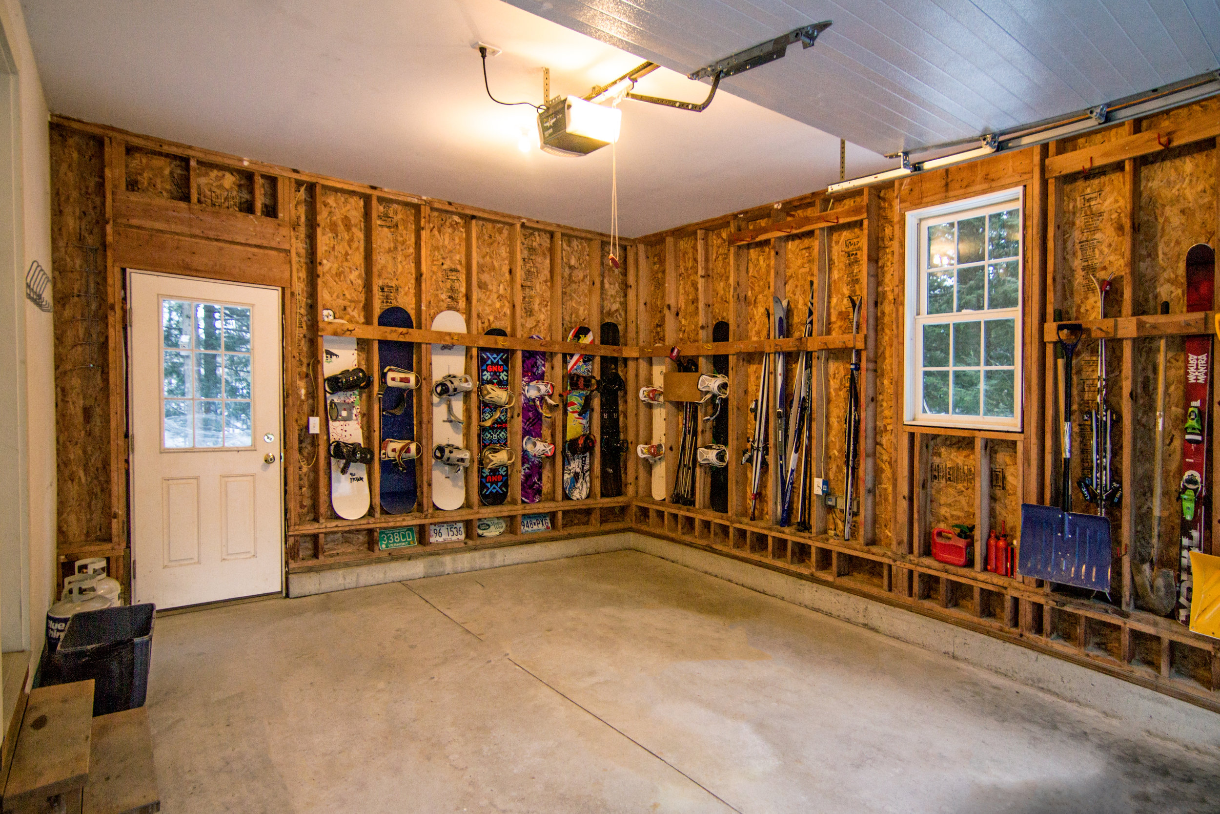 24-IMG_3258 2016-11-23 Head Garage & Ski & Snowboard Storage.jpg