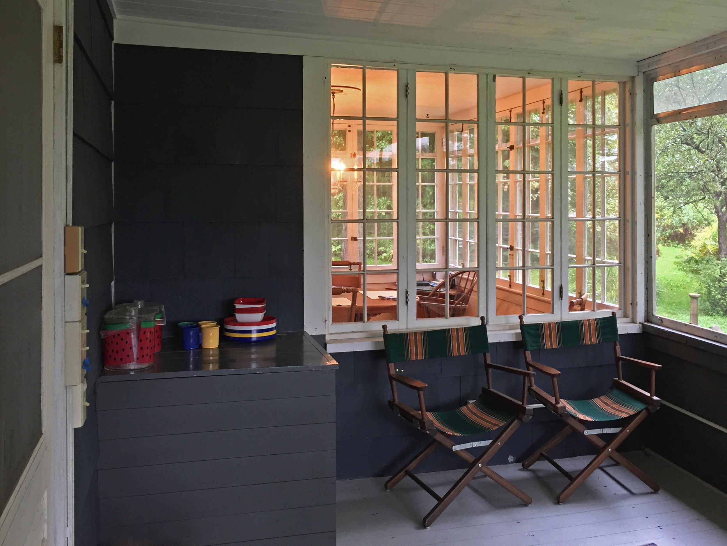 28-Cozy Dining-room light