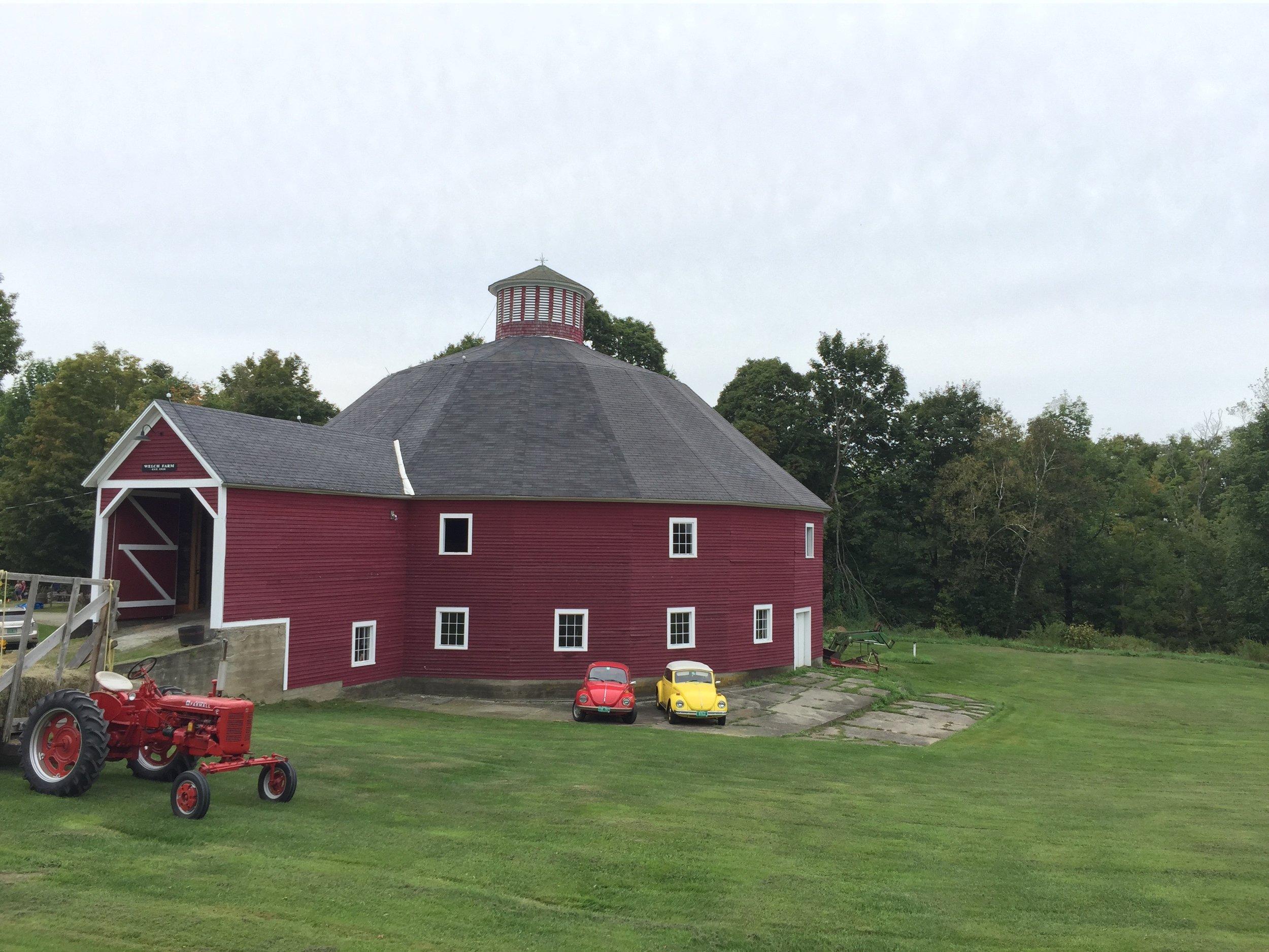 35-Round Barn on VT Rt. 12