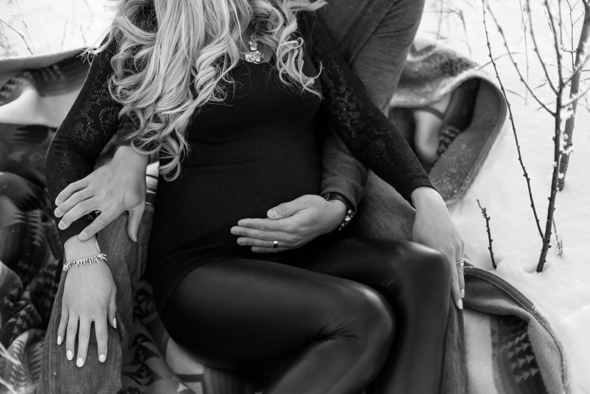 Midnightea_Jen+Dustin_Maternity-38.jpg
