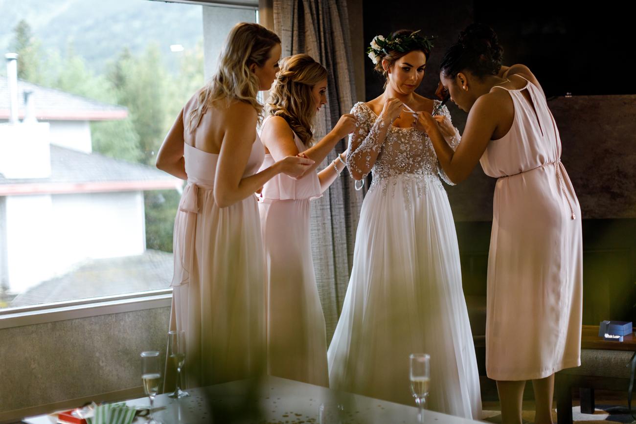 025-calgary-wedding-photographers.jpg