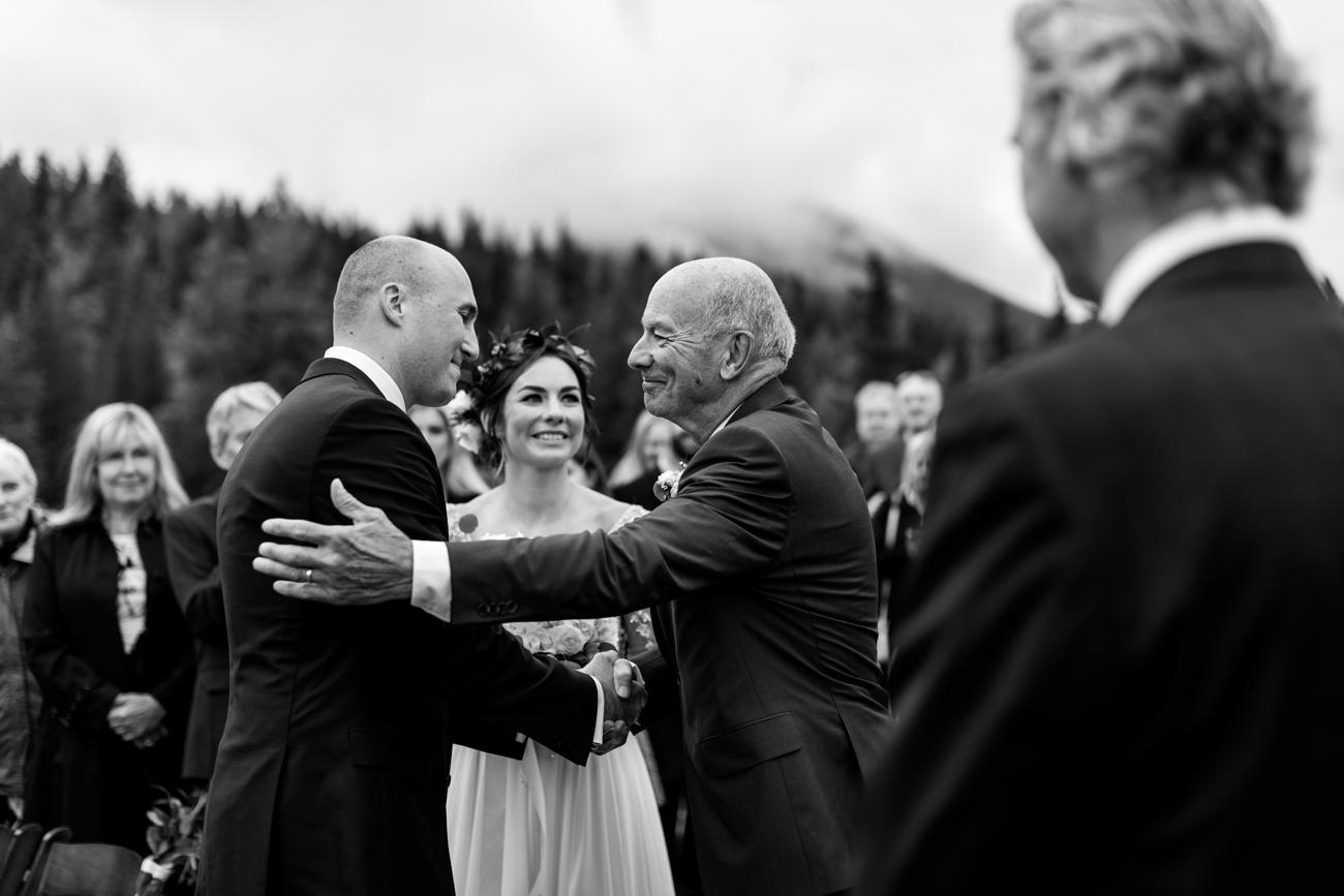 064-calgary-wedding-photographers.jpg