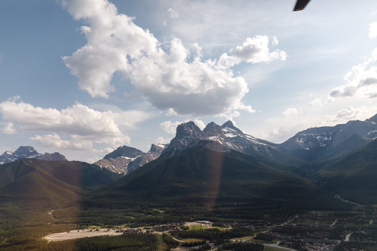 025-helicopter-elopement-photographers-banff.jpg