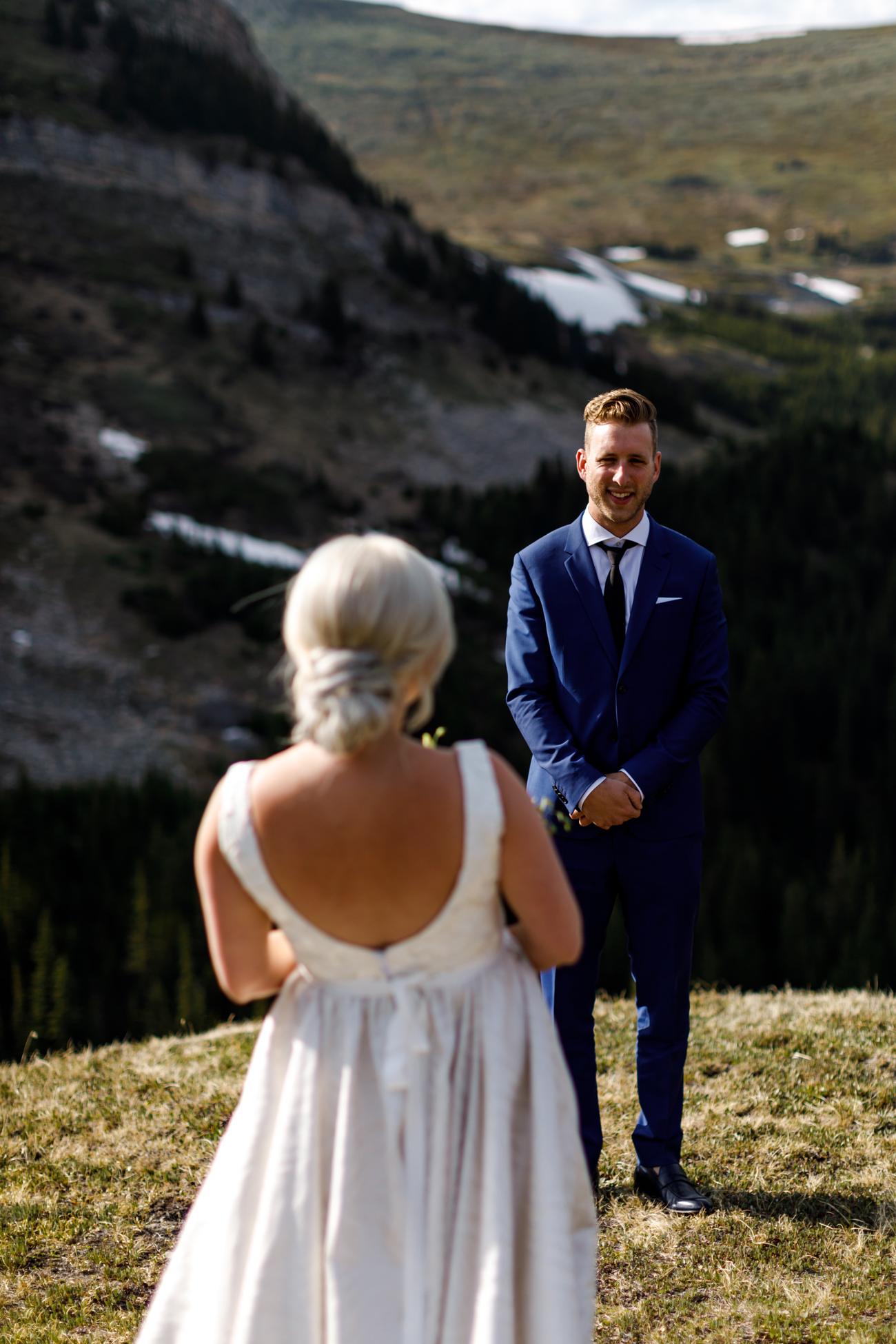 039-helicopter-elopement-photographers-banff.jpg
