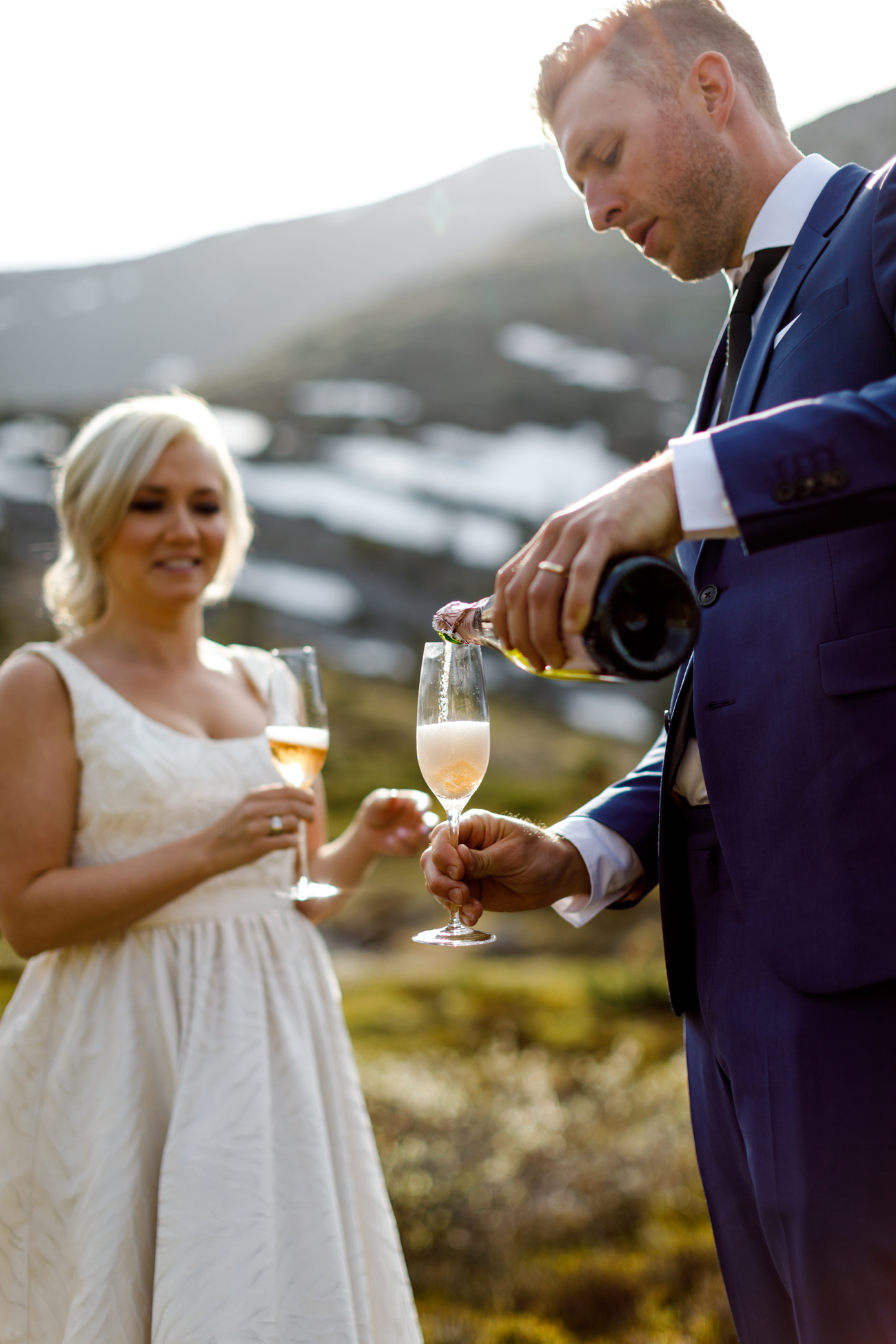058-helicopter-elopement-photographers-banff.jpg