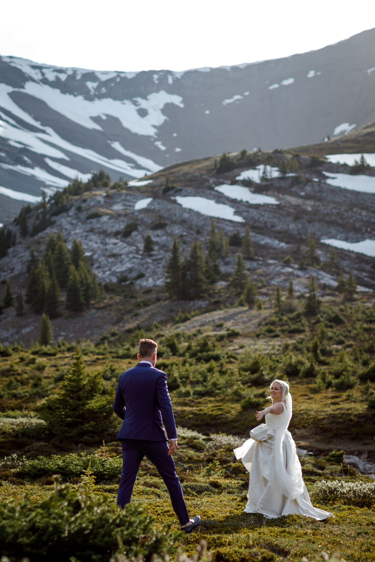062-helicopter-elopement-photographers-banff.jpg