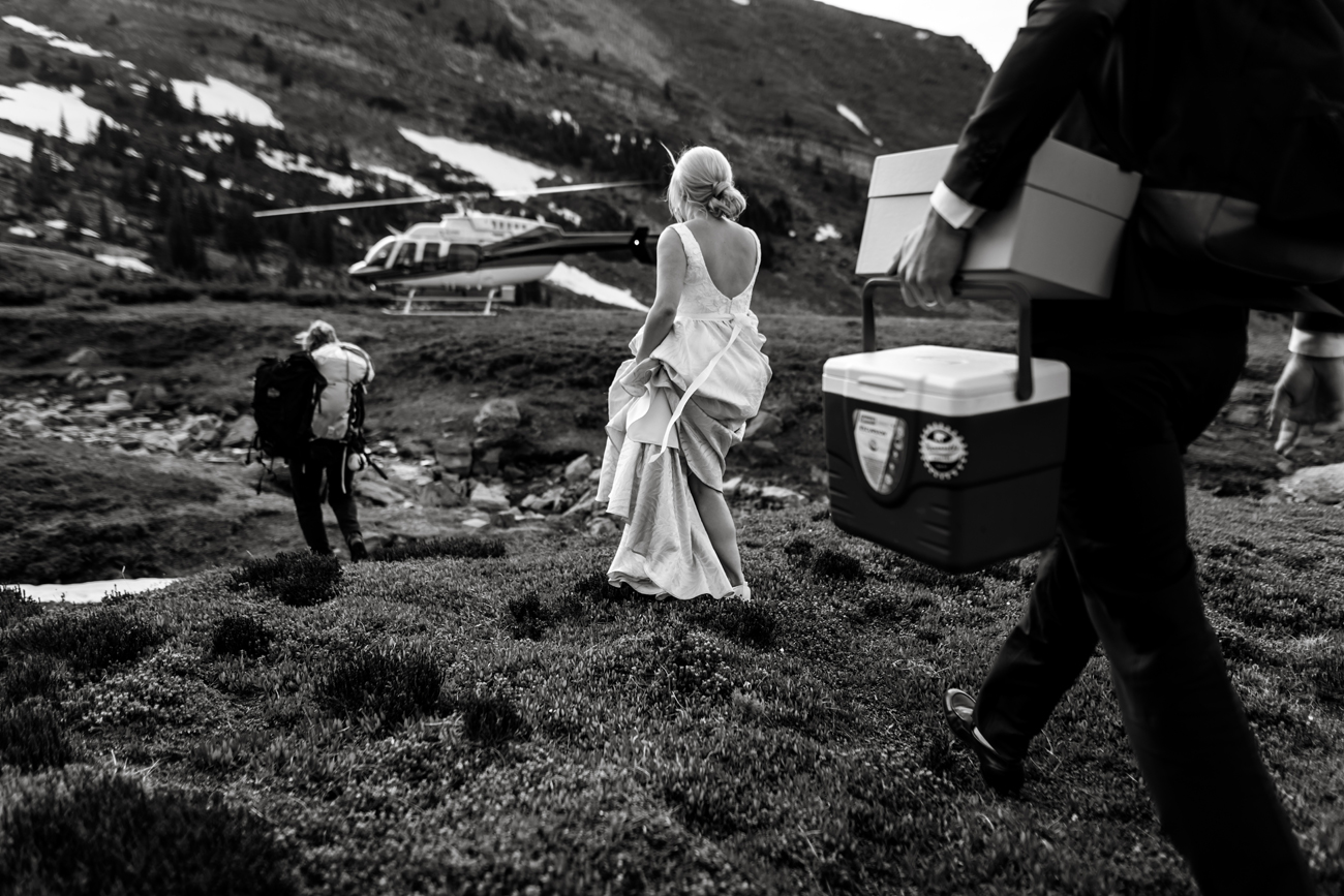 073-helicopter-elopement-photographers-banff.jpg