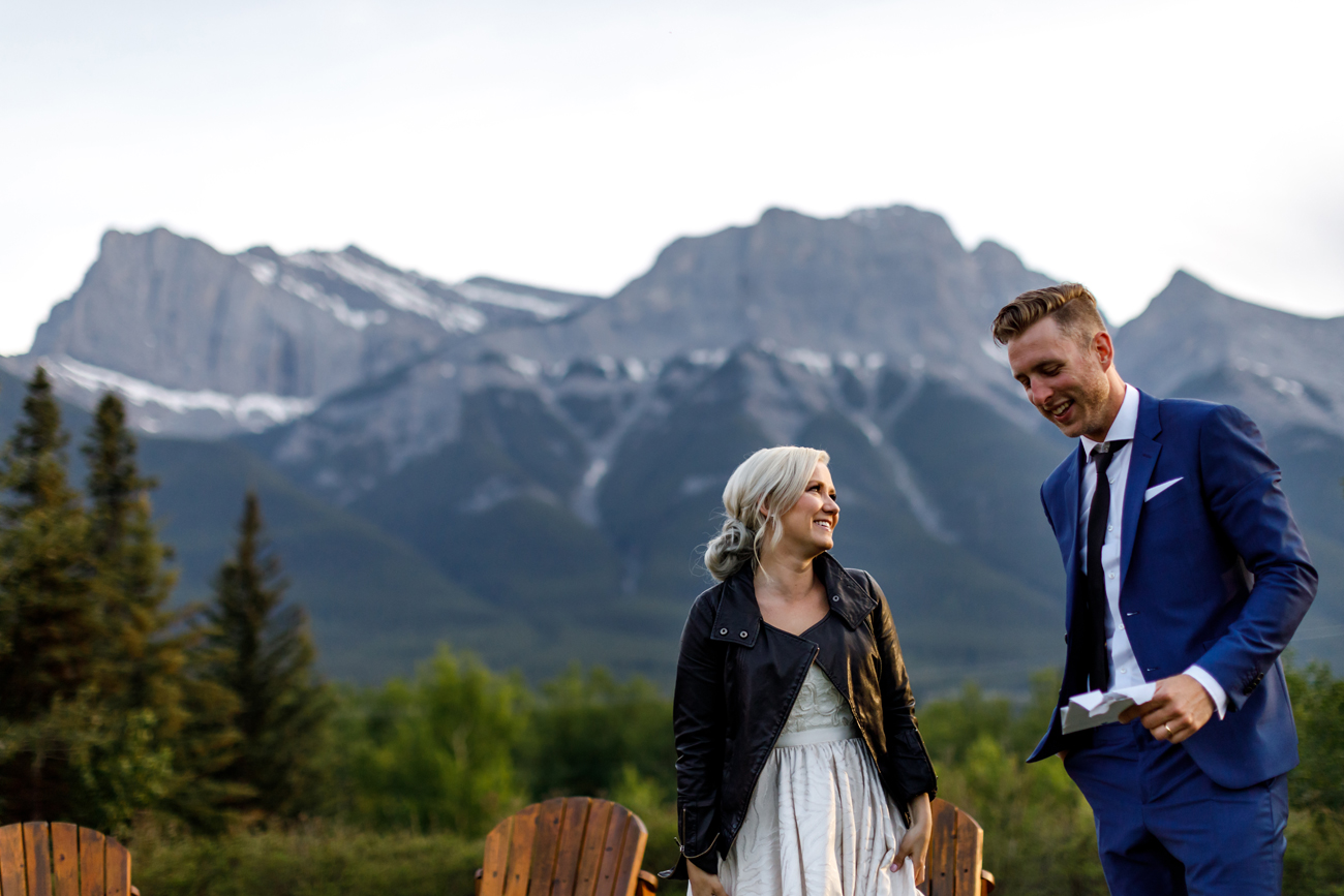 084-helicopter-elopement-photographers-banff.jpg