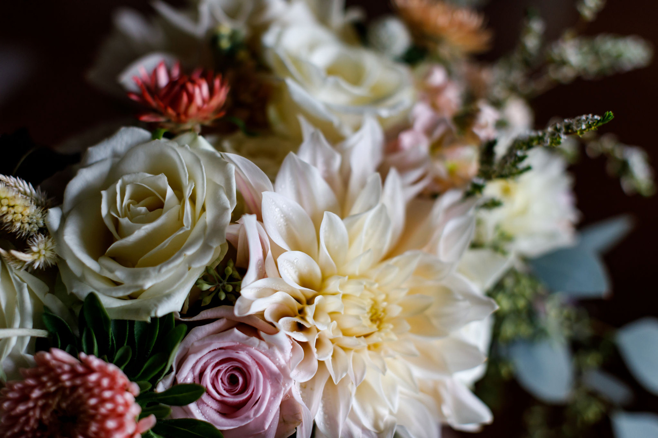 016-revelstoke-wedding-photographer.jpg