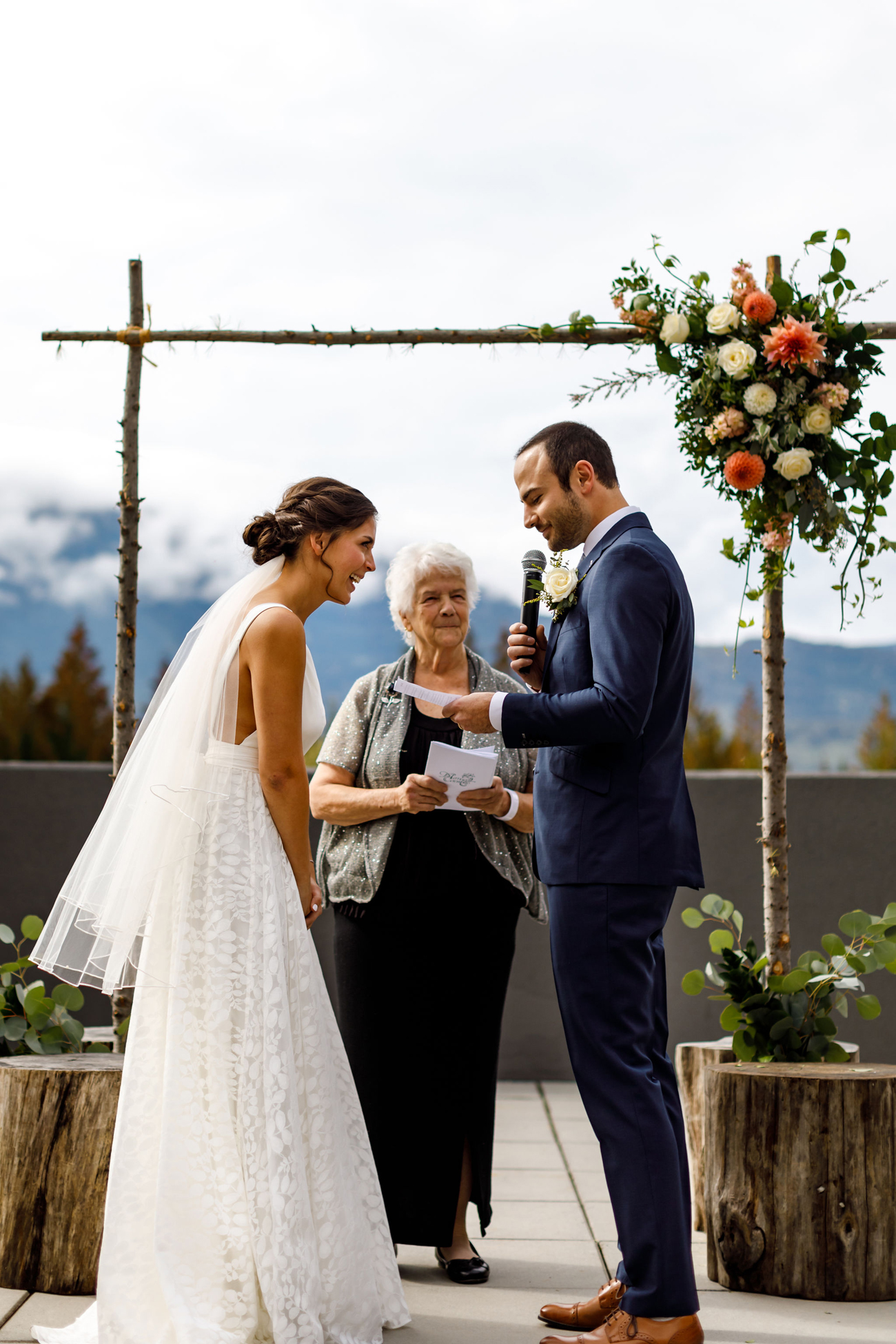072-revelstoke-wedding-photographer.jpg
