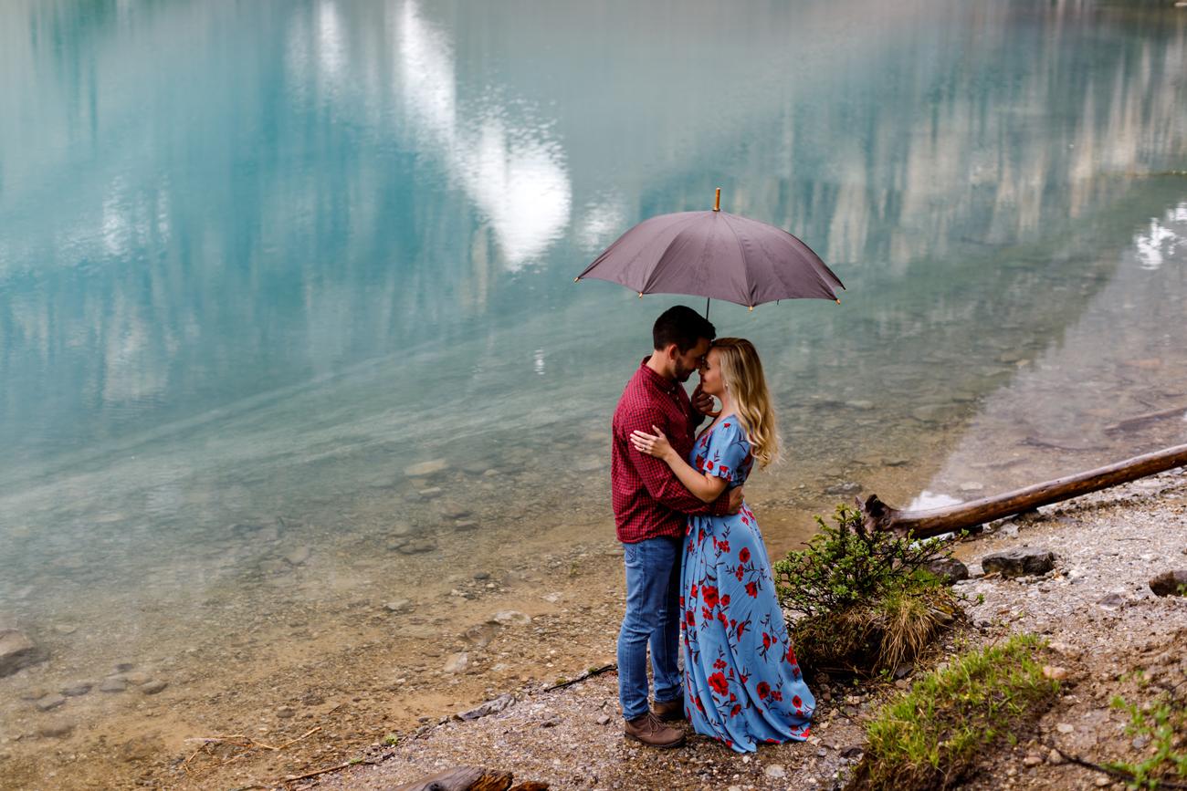 002-moraine-lake-wedding-photographers.jpg
