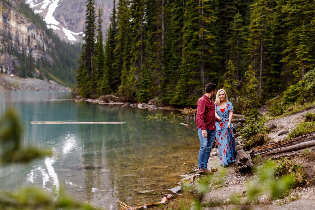 005-moraine-lake-wedding-photographers.jpg