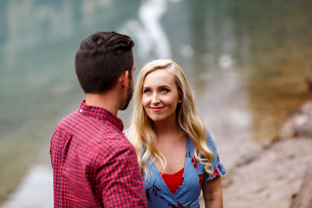 007-moraine-lake-wedding-photographers.jpg