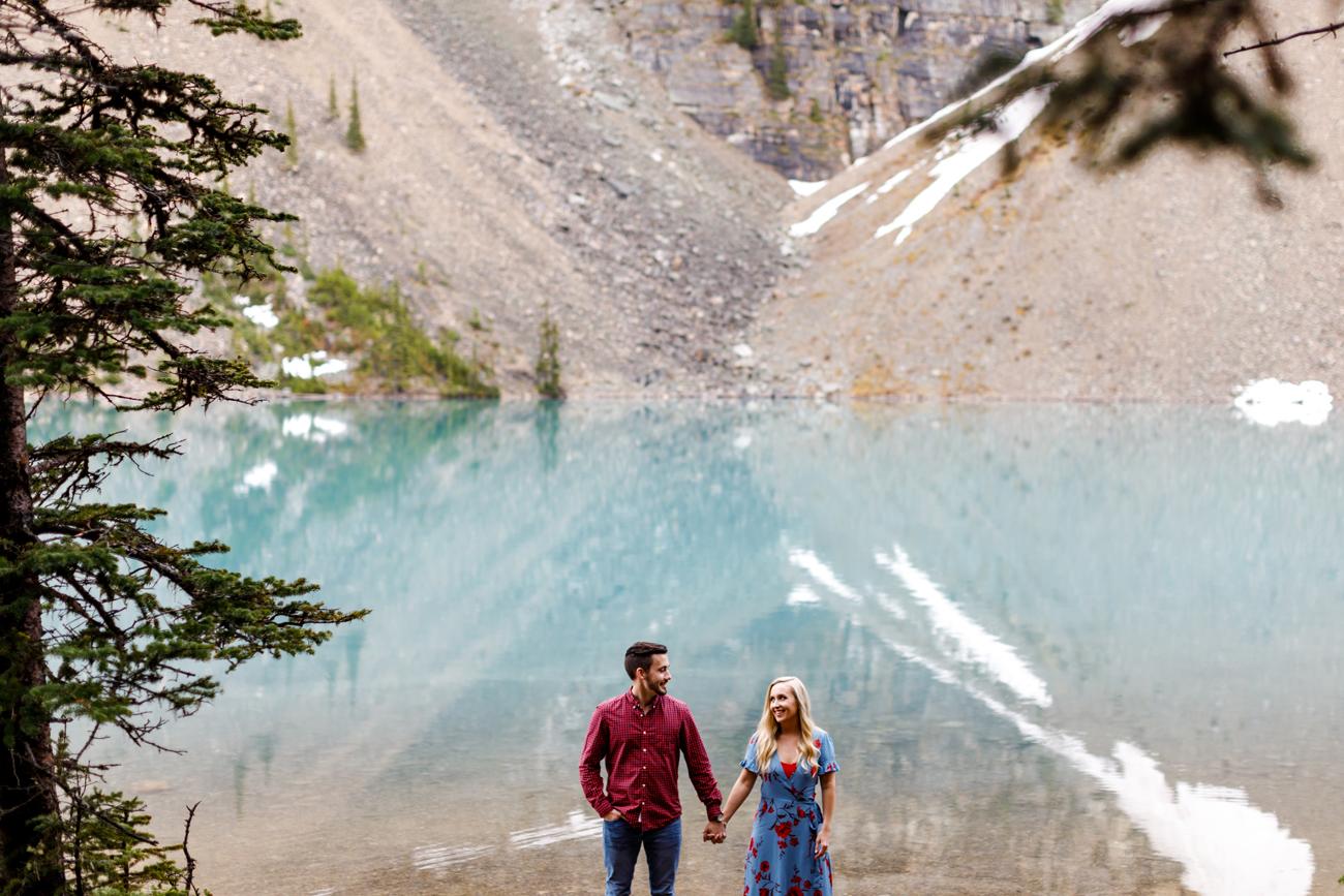 016-moraine-lake-wedding-photographers.jpg