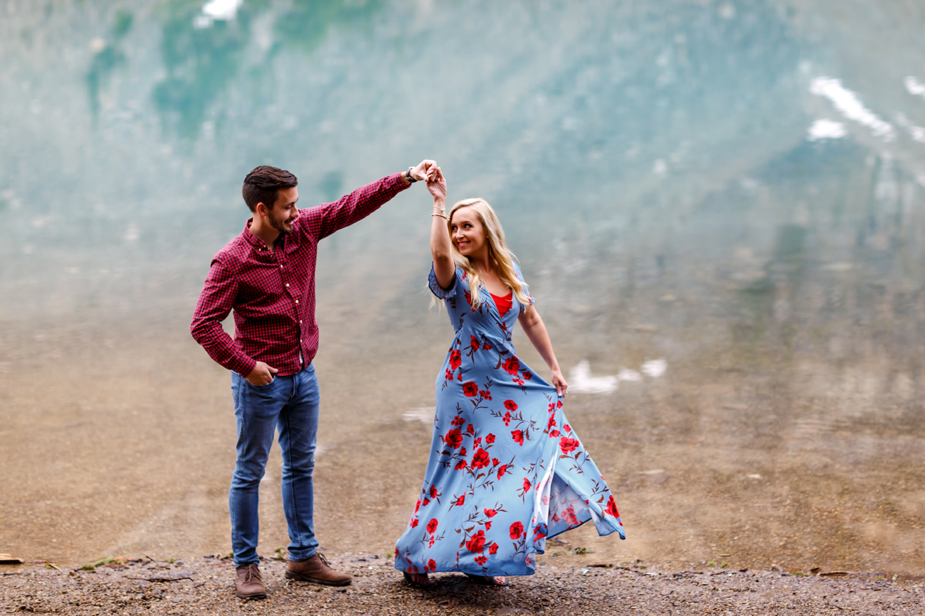 019-moraine-lake-wedding-photographers.jpg