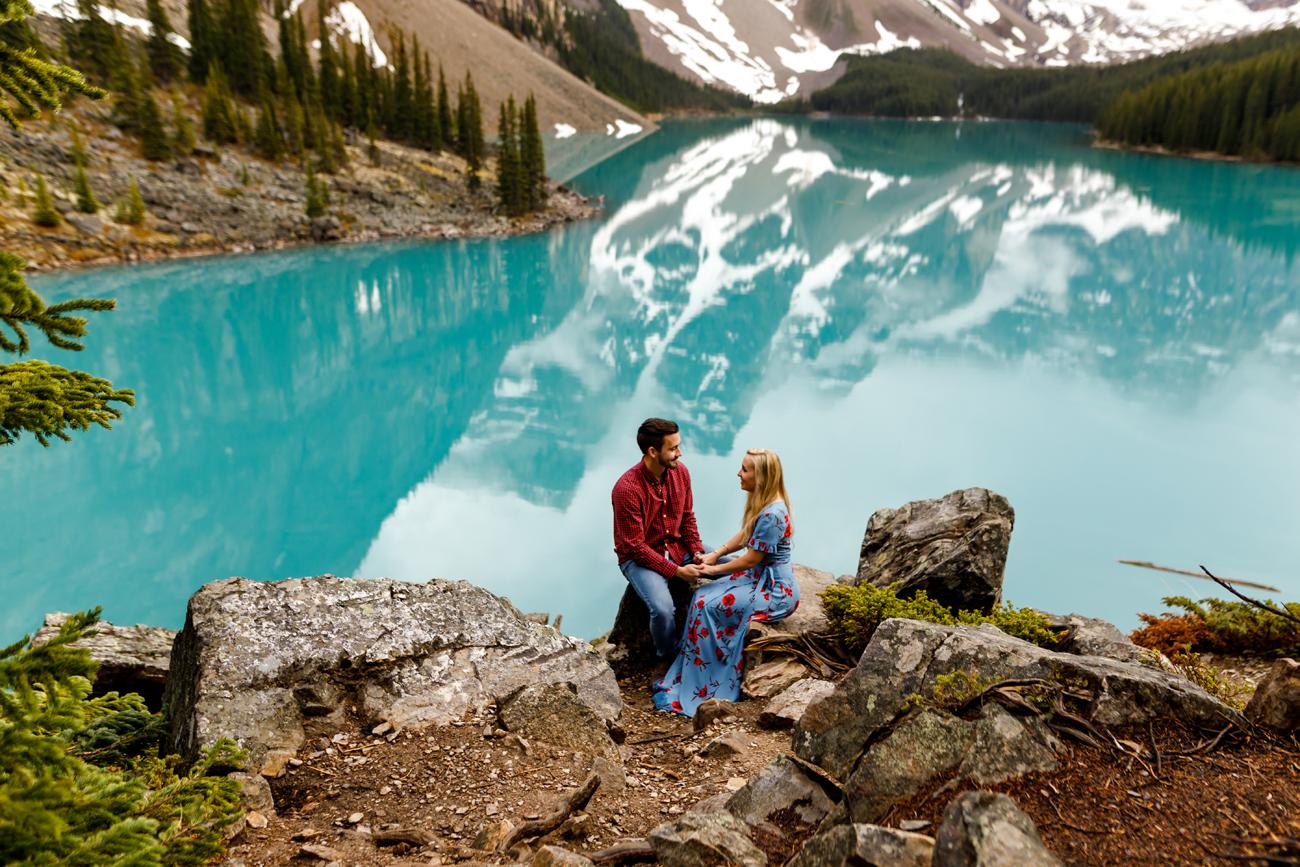 025-moraine-lake-wedding-photographers.jpg