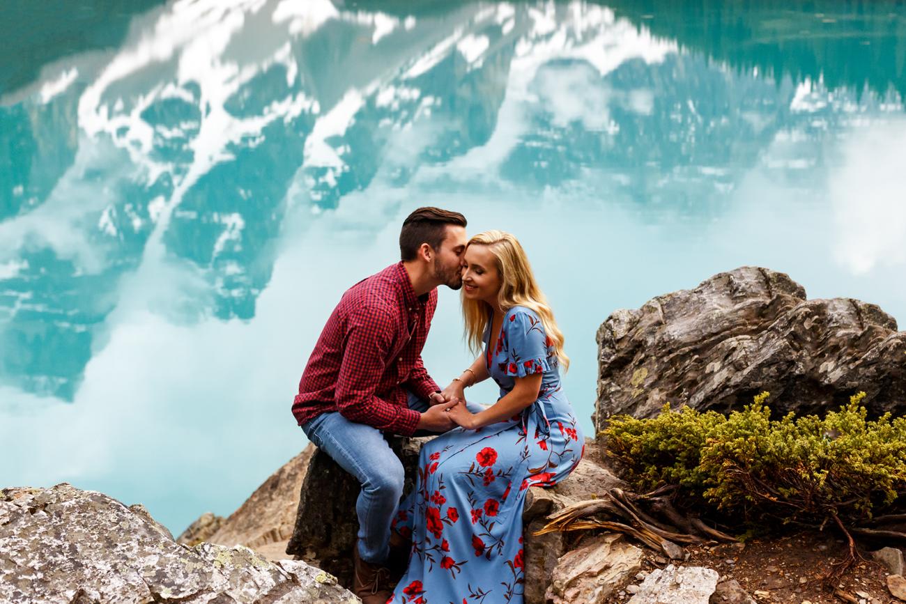 026-moraine-lake-wedding-photographers.jpg
