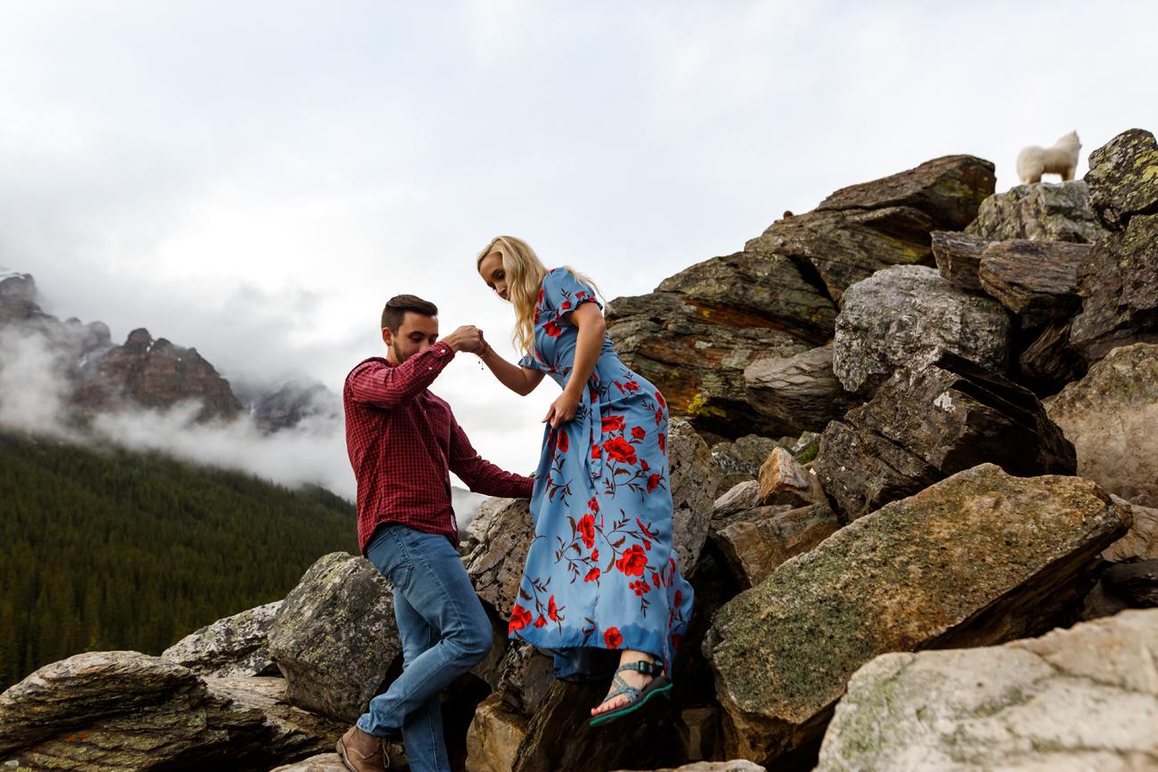 031-moraine-lake-wedding-photographers.jpg