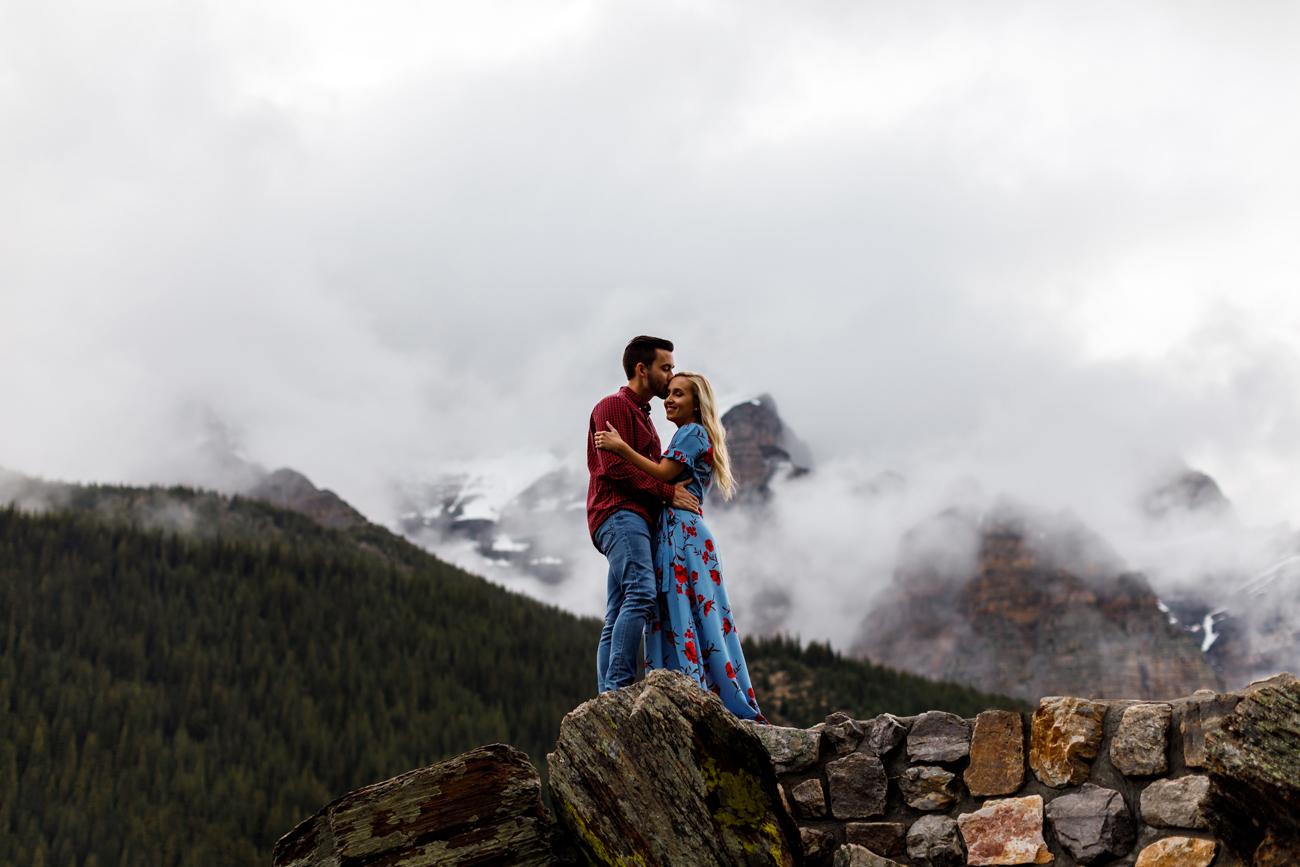 039-moraine-lake-wedding-photographers.jpg