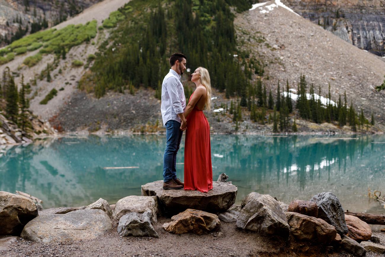 042-moraine-lake-wedding-photographers.jpg