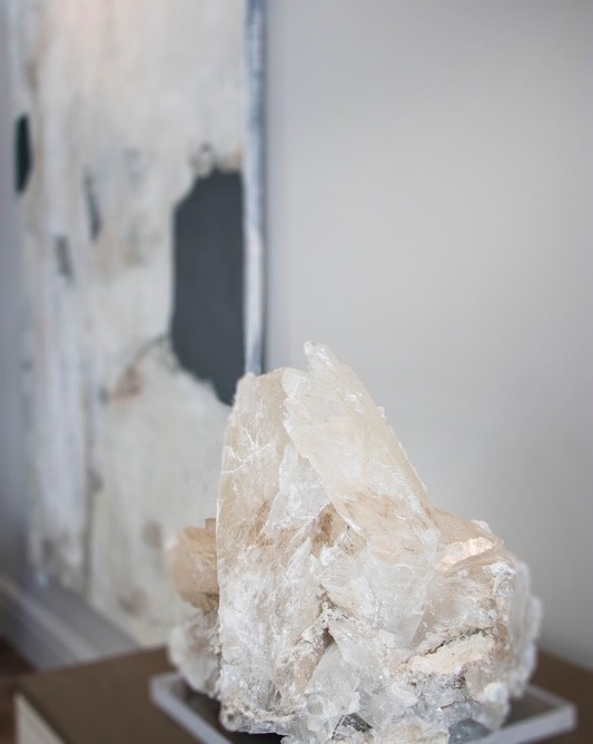 Setting the tone of your home matters! We should feel a sense of sanctuary as we walk through the door from our busy lives. I rely on at least one piece of crystal in every project to set the vibe I like to live in @ambdesign