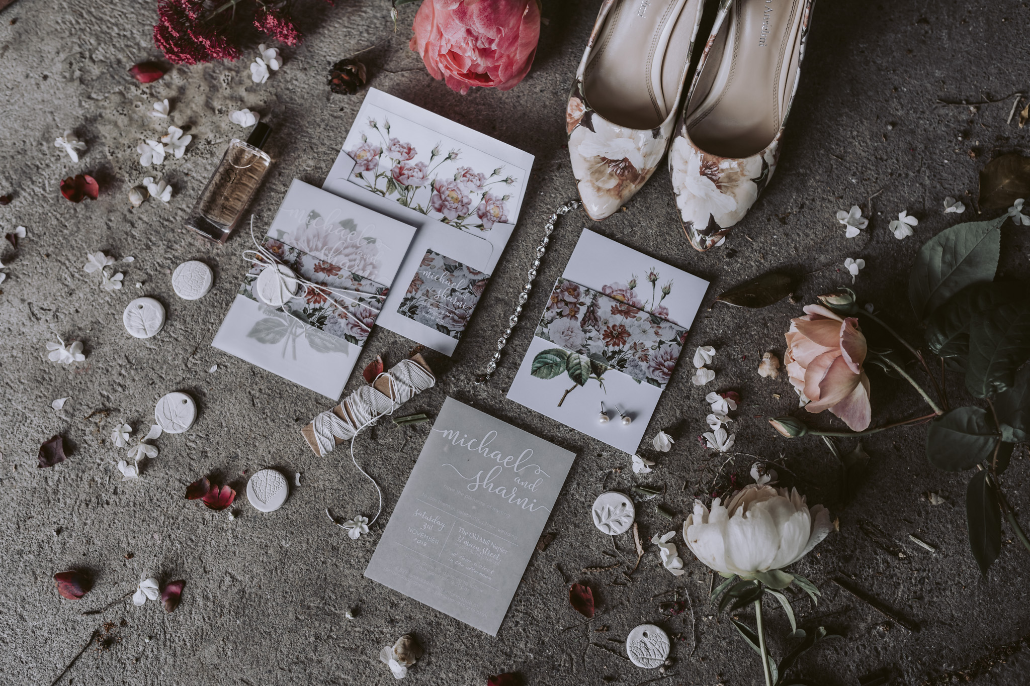 Beautiful florals and a tonne of Pretty Little Details, check out the full post!