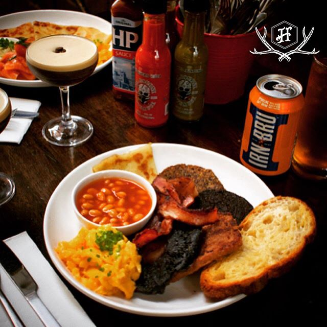 Brunch time! Perfect weather to settle into a cosy booth for a #FullScottish and an afternoon of breakfast cocktails! Join us for #bottomlessbrunch from 12-3pm today! Just $55 for a brunch dish of your choice plus 2 hours of cocktails inc #espressomartini #mimosa #bloodymary & #vodka #irnbru