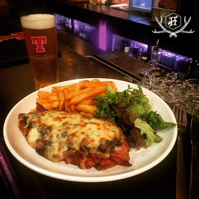 The 'Parma Balmoral' is back tonight from 5pm! Grab it or the original version with a pot of @tennentslager for just $20 til 10pm! World's #1 (and only) #haggisparma 👌🏻☝️❤️🏴😂
