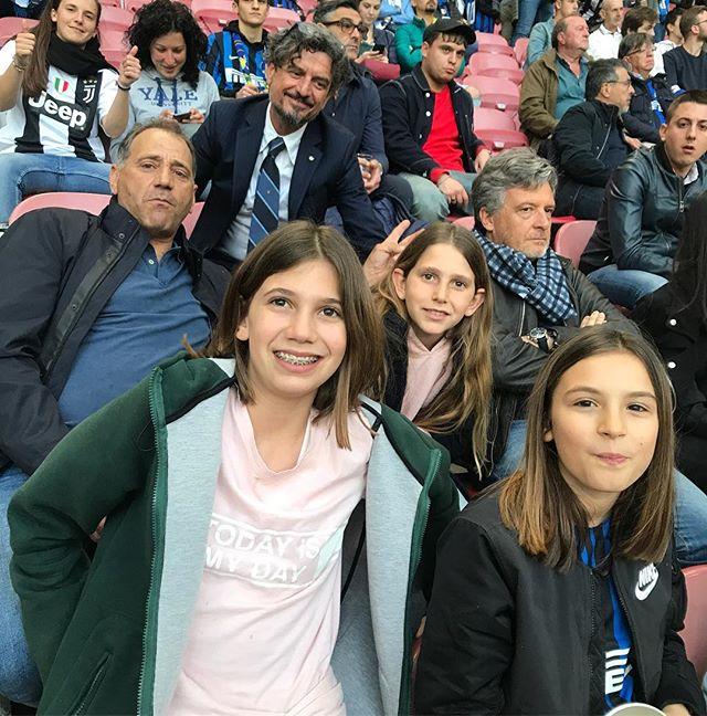 Forza Juve!! #sansiro #thanksto @aldomontinaro @antoniodalba @emma_dalba_ #interjuve #milano #italia #lamiacitta #supermerci #masseriamontelauro #masseriaprosperi in #trasferta #intrasferta