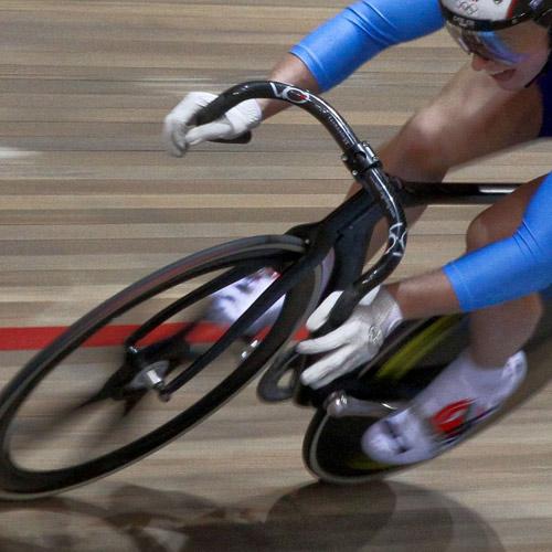 TRACK CYCLING - Maximum power.