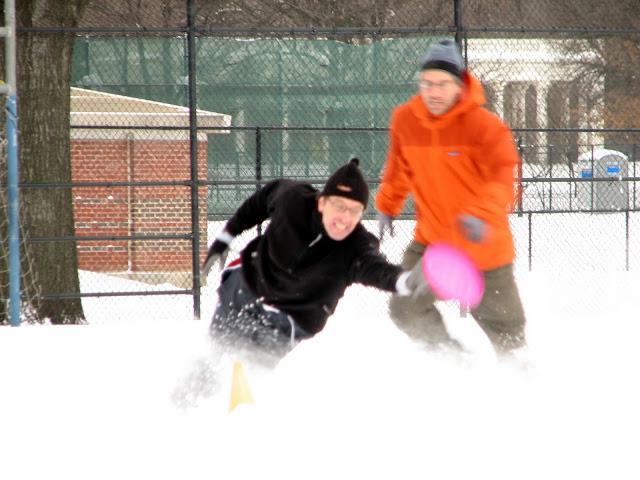 Morning Snow Frisbee Dec 2009