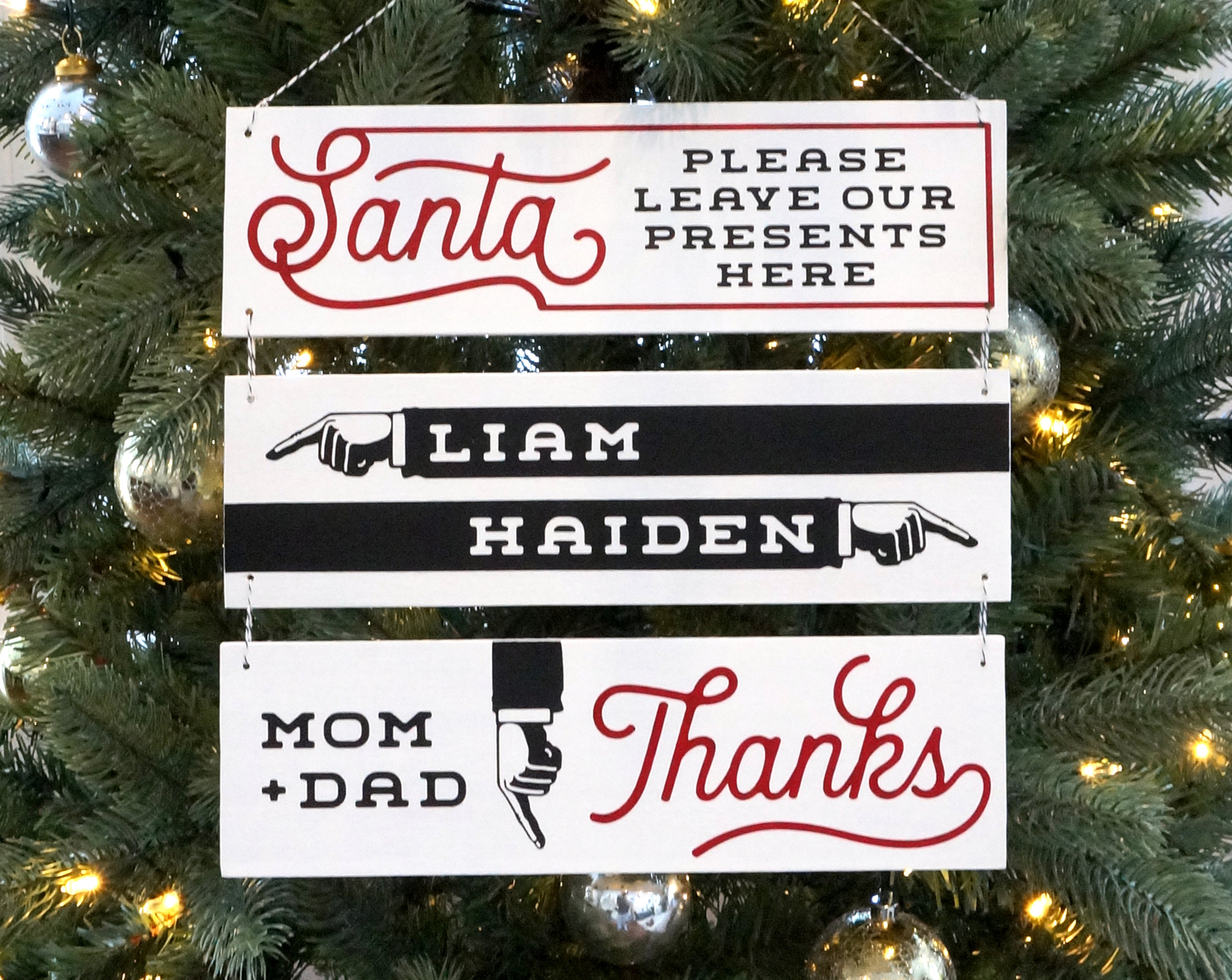 Santa Directional Christmas Tree Sign