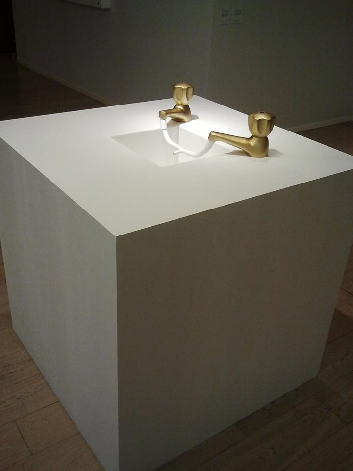 Provision, 2013, Painted cardboard, 110 x 110 x 130 cm. Courtesy of the artist and Gypsum Gallery.
