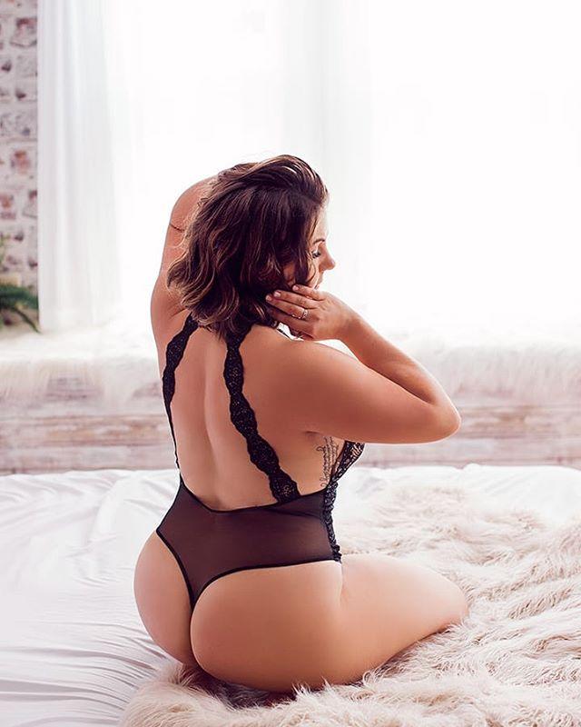 Rise & slay.  .⠀ .⠀ .⠀ .⠀ .⠀ #boudoirphotographers #bootylicious🍑 #boudoirphotographers #lingeriemodel #bodyconfident #lingerieaddict #lingerielove #boudoirlingerie #boudoirbeauty #boudoirportraits #boudoirinspo #boudoirphoto #boudoirstyle #boudoirgoals #inmyboudoir #boudoirvibes #boudoirsession #boudoirphotoshoot #boudoircollective #lingerieoftheday #bestboudoir #bostonboudoirphotographer #boudoirphotography #boudoiralbum #somethingboudoir #boudoirphotographer #boudoirshoot #bootyfordays #bootybootybooty #tushie