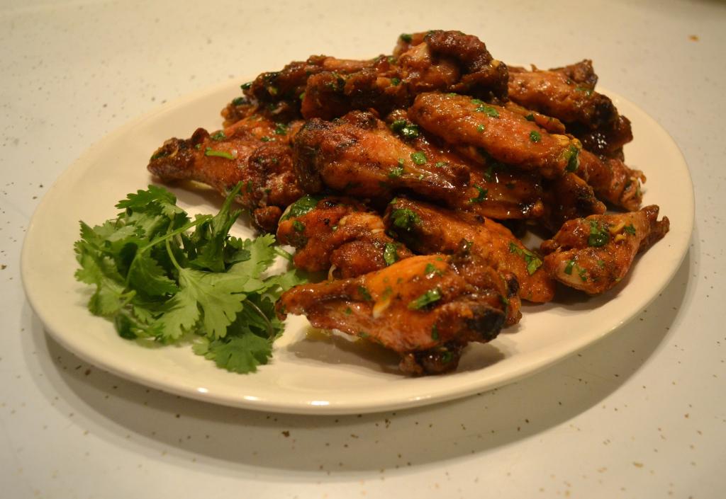 Spicy Sriracha Chicken Wings1.jpg