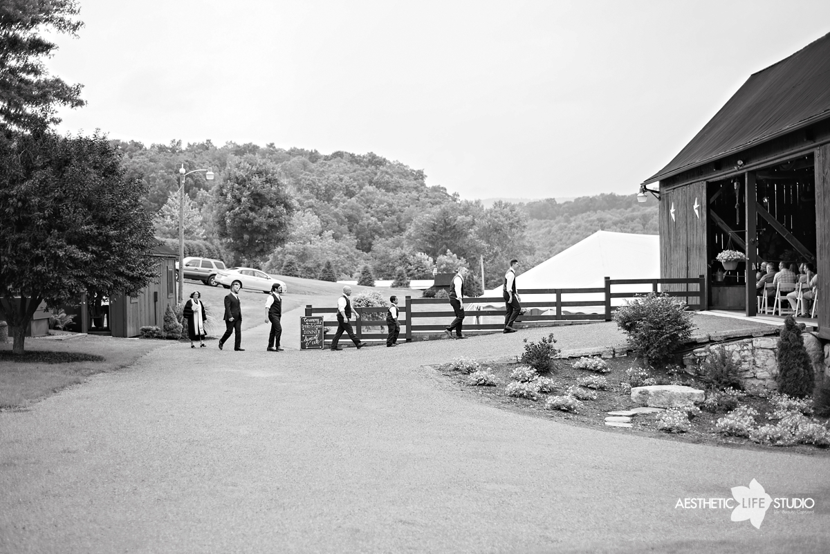 rustic_barn_wedding_039.jpg