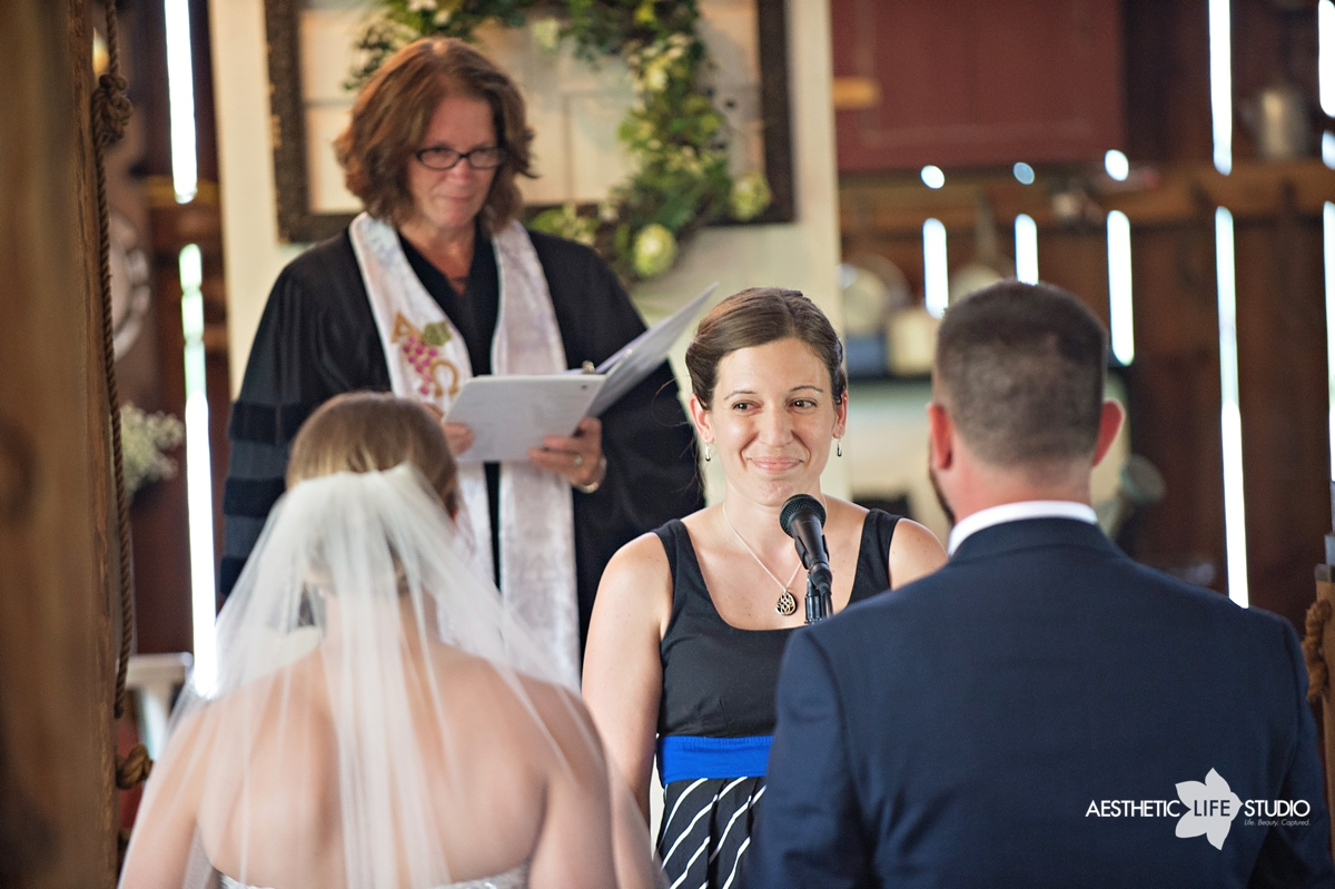 rustic_barn_wedding_048.jpg