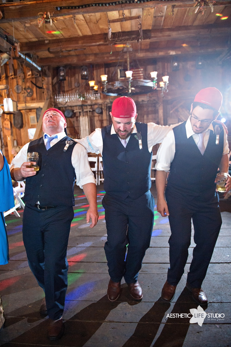 rustic_barn_wedding_121.jpg
