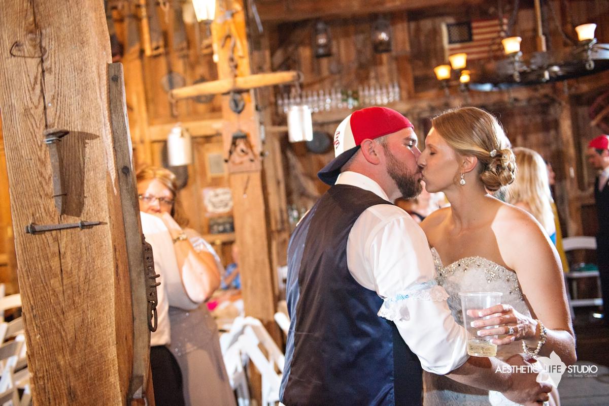 rustic_barn_wedding_123.jpg