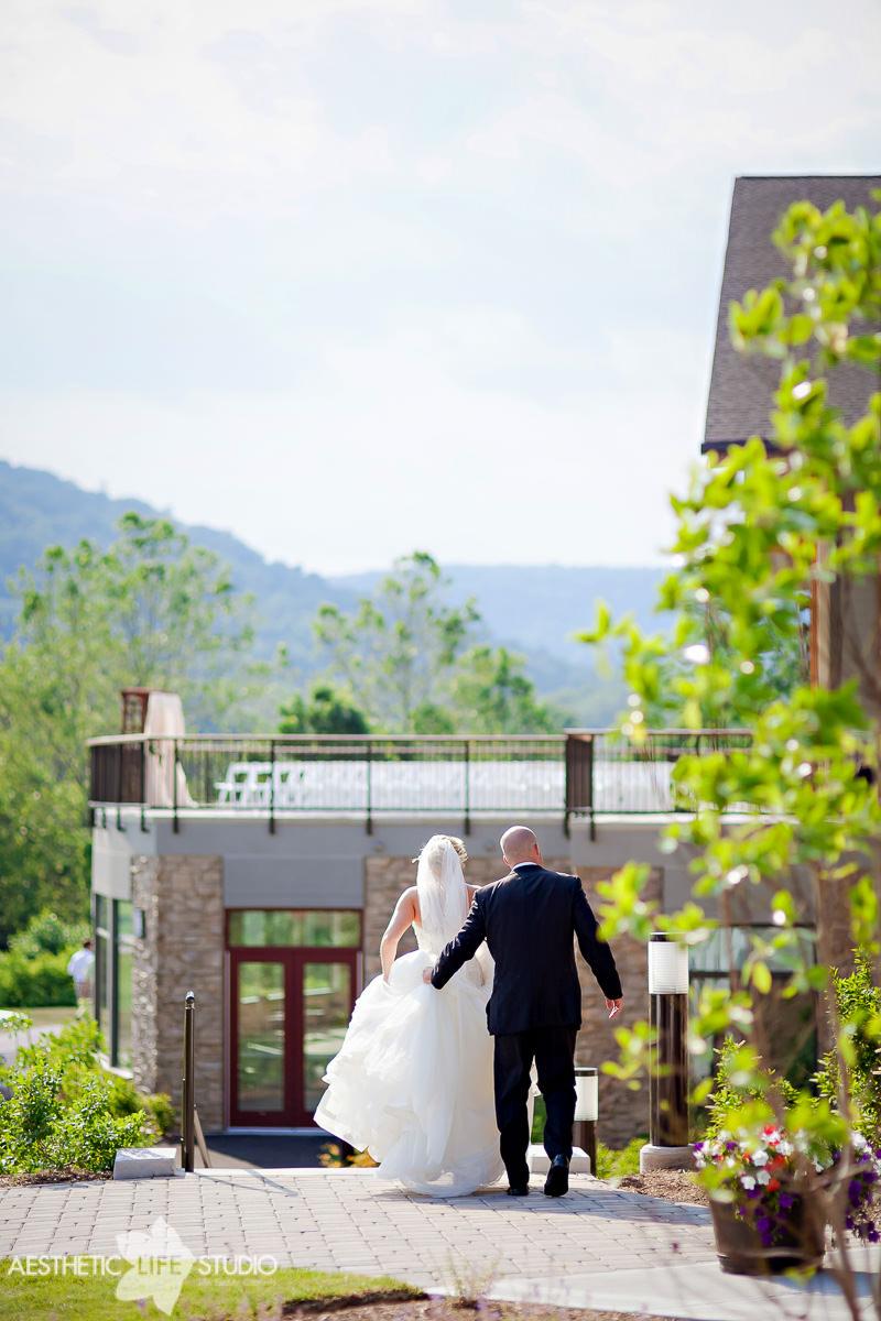 liberty mountain resort highland lodge overlook wedding -96.jpg