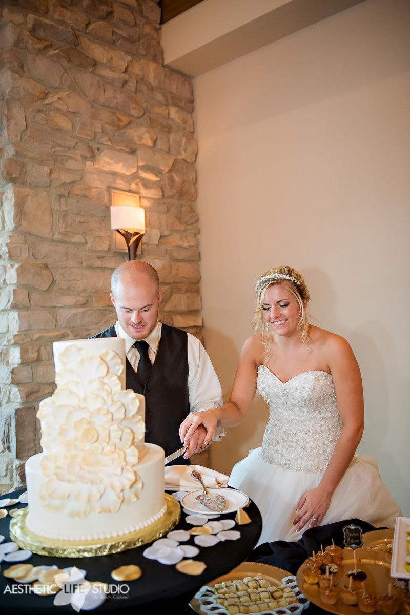 liberty mountain resort highland lodge overlook wedding -143.jpg