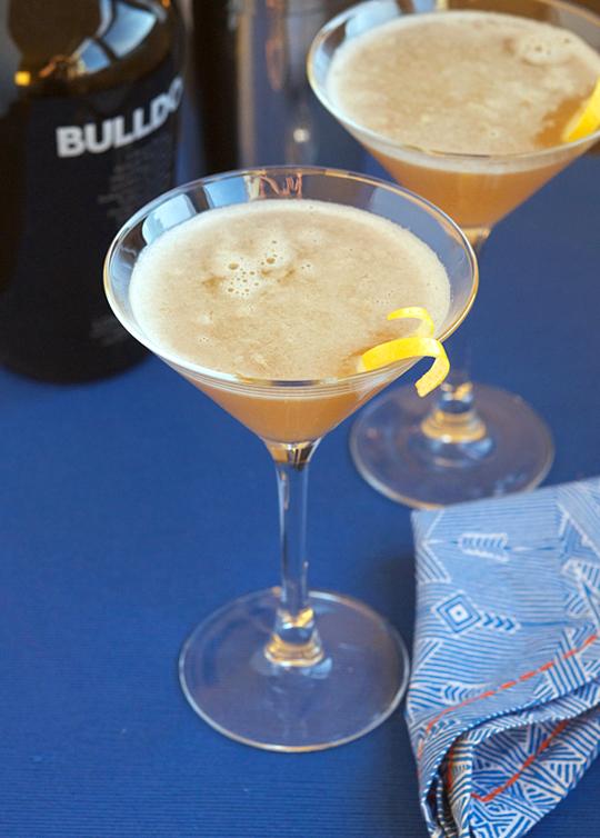 Bee's Knees Cocktail | Brooklyn Atlas