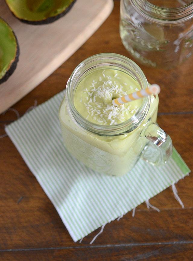 avocado-coconut-smoothie-7