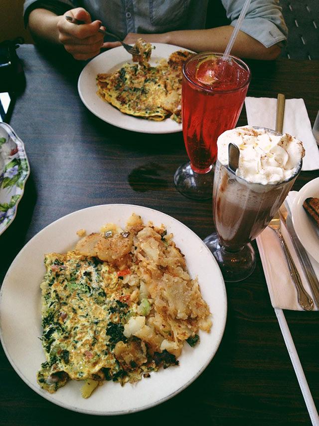 toms-restaurant-6
