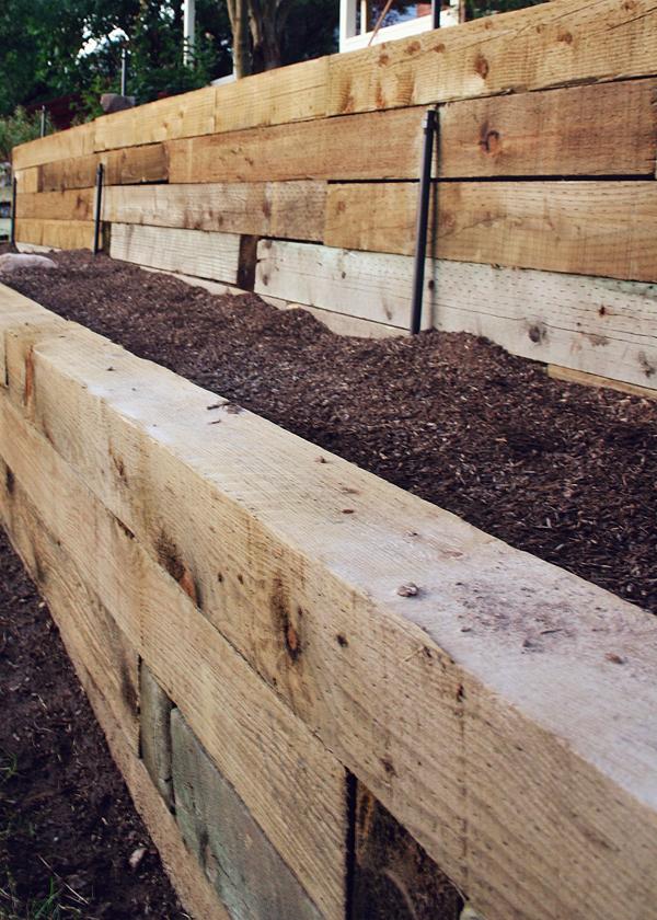Mott's Landscaping-Retaining Wall 1.jpg