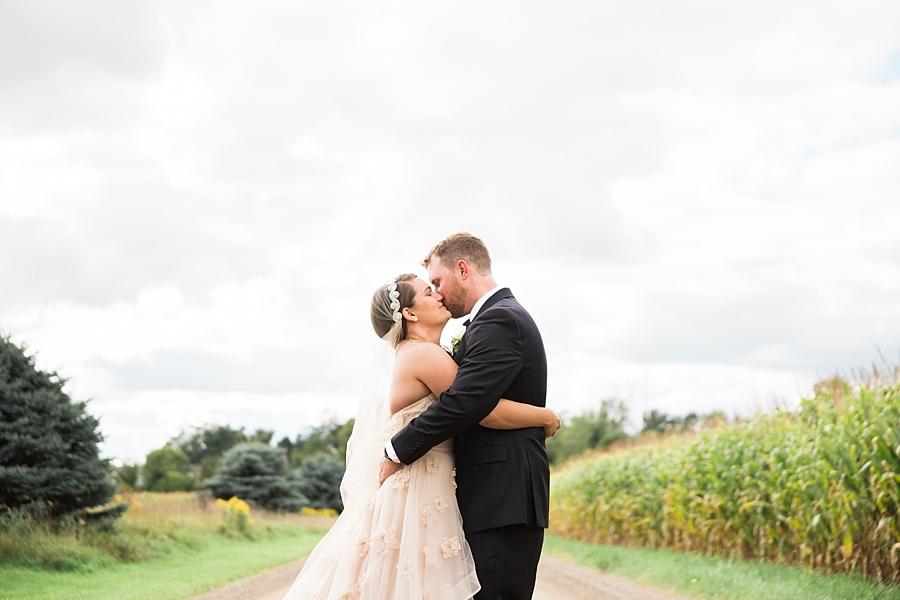 Michigan_Wedding_Photographer_Ann_Arbor_Arboretum_0049.jpg