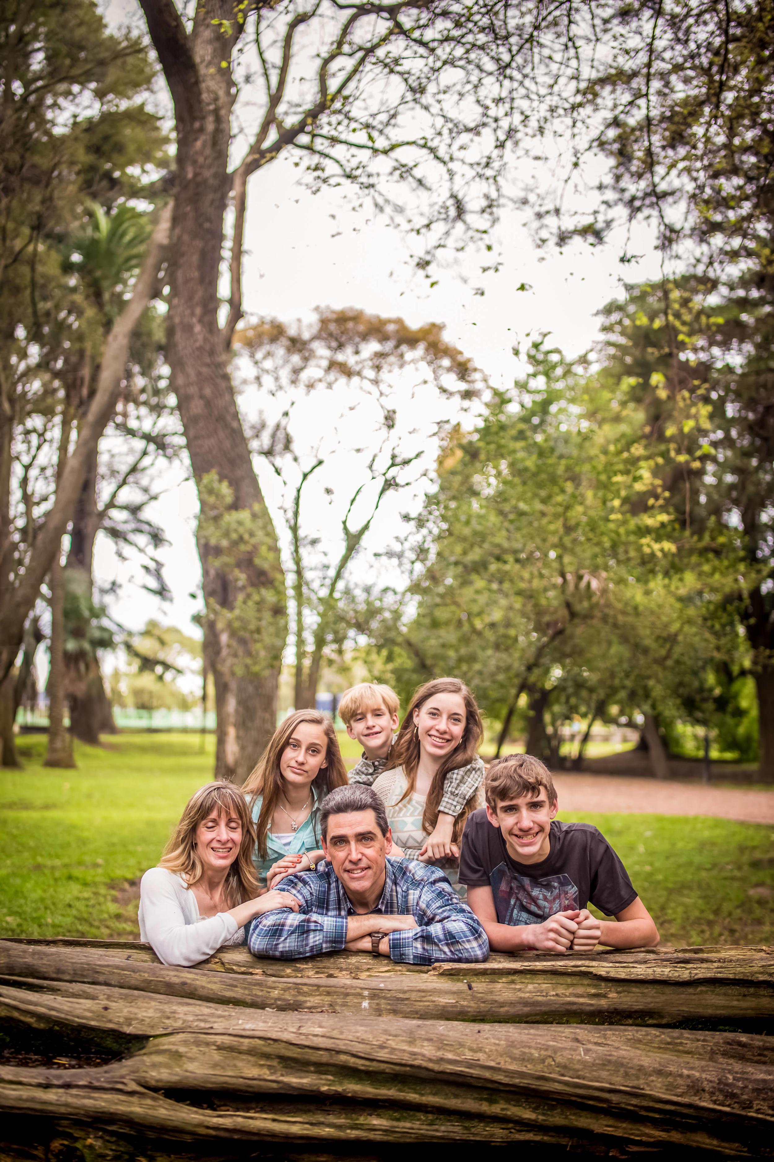 Family Photoshoot-1081.jpg
