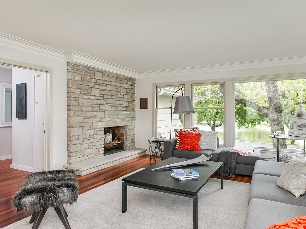 2525 France Ave S St Louis-MLS_Size-004-6-Living Room-1024x768-72dpi.jpg