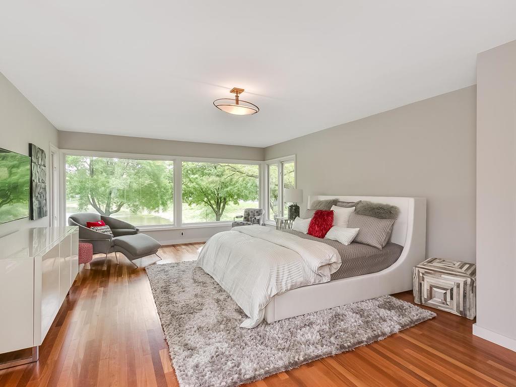 2525 France Ave S St Louis-MLS_Size-012-8-Master Bedroom-1024x768-72dpi.jpg